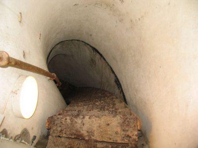 Lyngby Fort trappe til skytsetagen