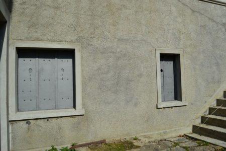 Skodder i mandskabsrum i kaponiere på Vestvolden, Københavns Befæstning